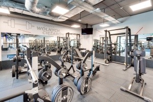 Klub CityFit w Olivia Business Centre - nowoczesna aranżacja w klimacie industrialnym