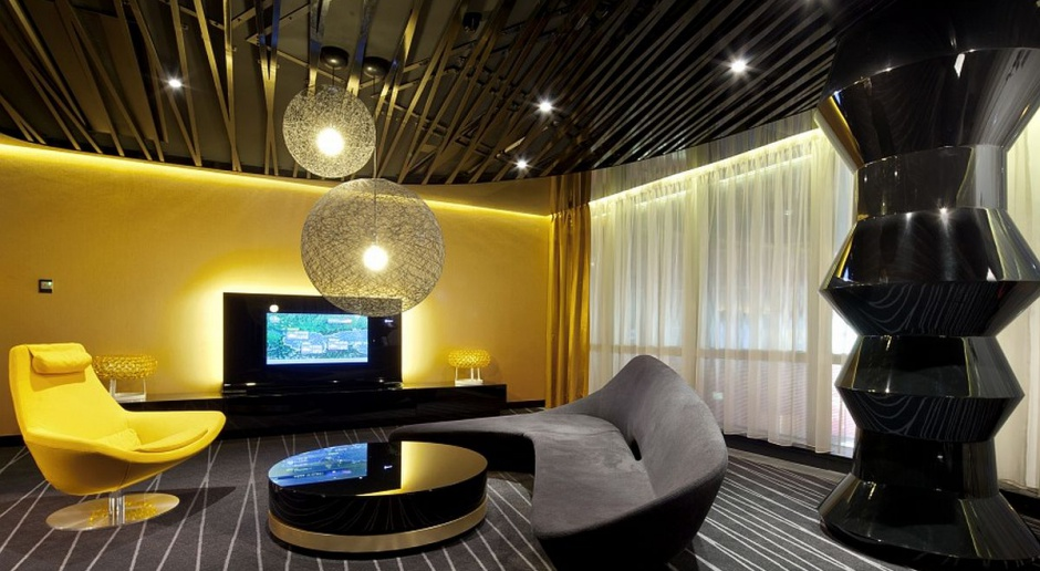 Czerń, złoto i biel w prestiżowym wnętrzu projektu Robert Majkut Design