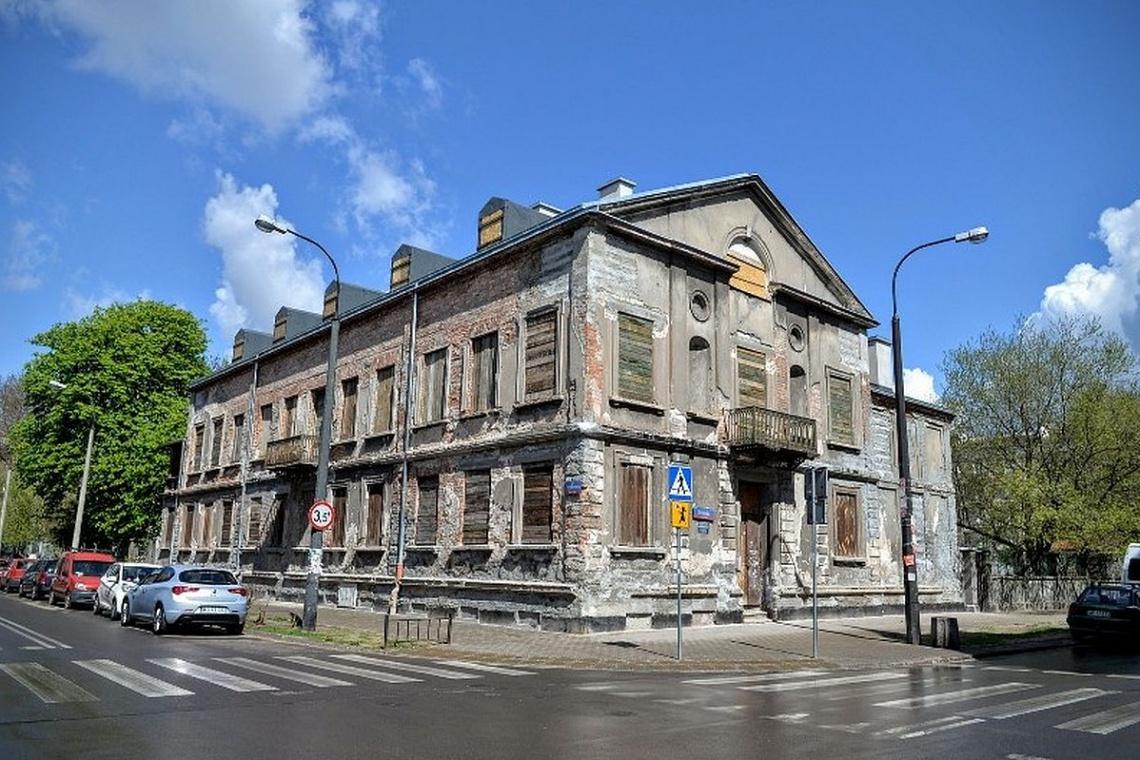 Pałacyk Konopackiego przestanie straszyć na Pradze