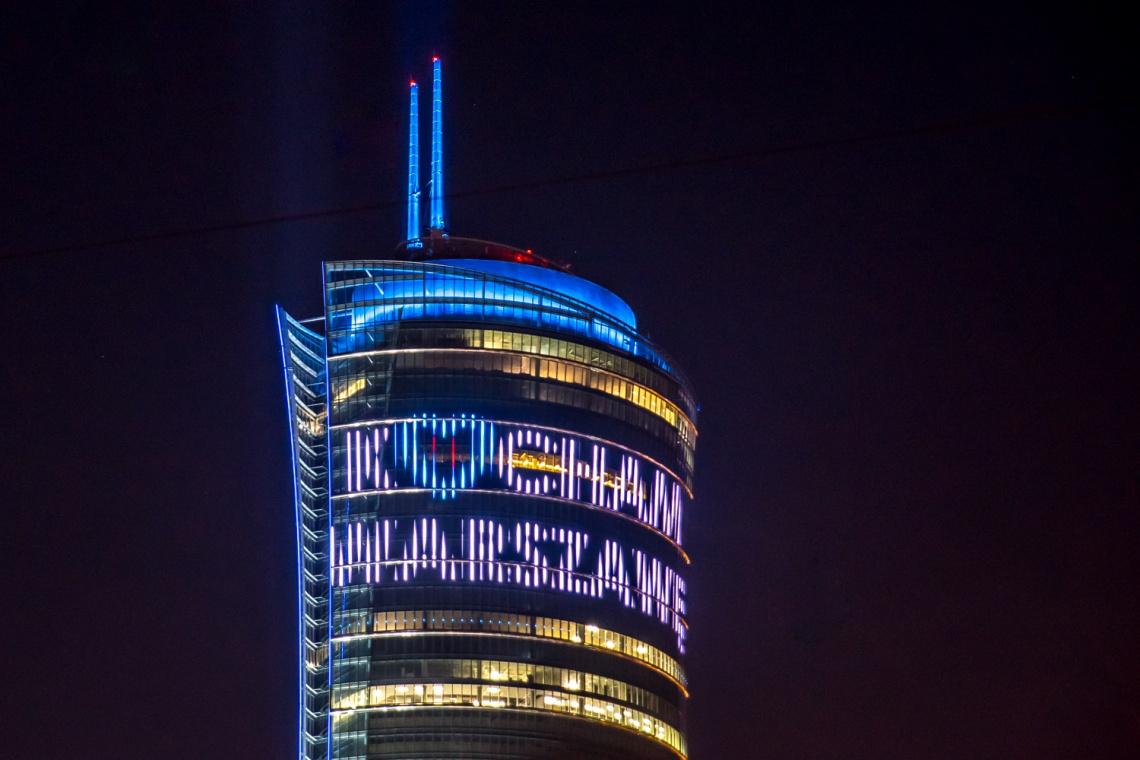 Gigantyczny ekran zawiśnie na Warsaw Spire