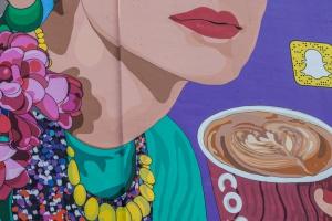 Co łączy krasnale i smoka ze sztuką uliczną i... Costa Coffee?