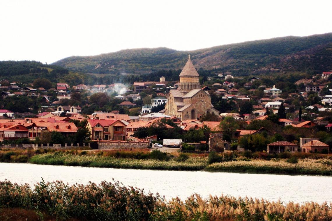 Zaprojektuj i zrealizuj festiwalowy projekt w Gruzji