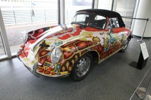 Porsche w kolorach tęczy. To hippisowskie auto Janis Joplin