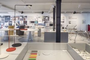 Zobacz, jak Norman Foster projektuje meble - wystawa Craft + Manufacture