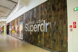 Superdry, czyli angielski koncept, amerykański vintage i japońska grafika