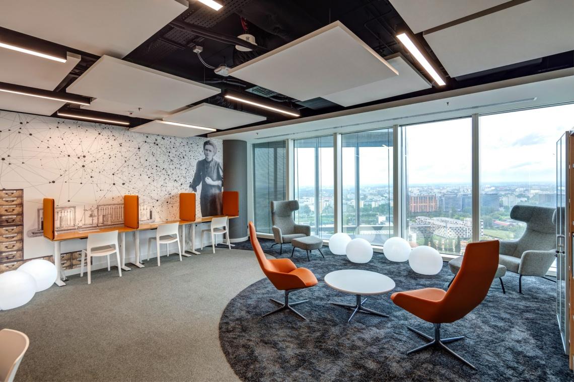 Zobacz biuro JLL w Warsaw Spire
