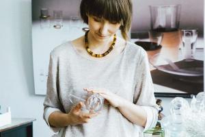 Designerska szklanka w niezwykłej akcji
