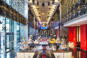 Lustro miasta – niezwykły hotel W Beijing Chang'an w Pekinie