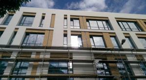 Na biurowcu Zefir lśni już fasada. To projekt A-PLAN bis