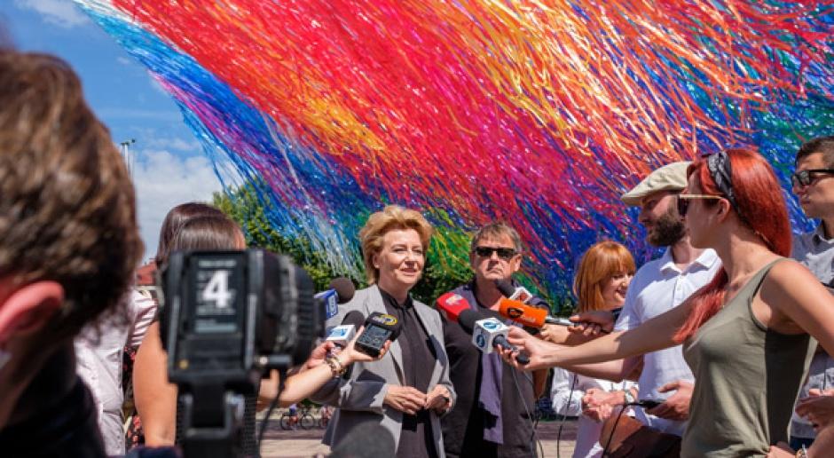 Zaprojektował znak Solidarności, a teraz stworzył instalację w Łodzi