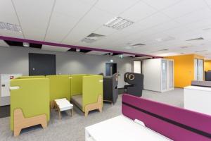 Biuro open space może być kreatywne i funkcjonalne