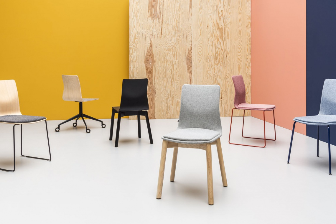Piotr Kuchciński przeprowadził lifting własnej kolekcji krzeseł