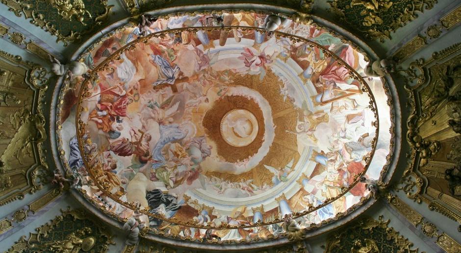 Odtwarzanie XVI-wiecznych fresków w cerkwi w Supraślu