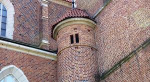 Fronton katedry w Płocku zostanie odrestaurowany