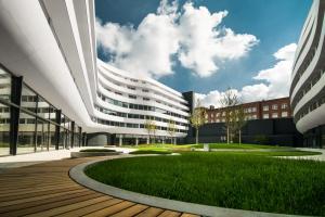 Oryginalna bryła i wiele funkcji - OVO Wrocław walczy o Prime Property Prize
