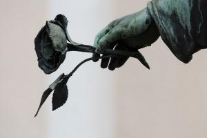 Wypięknieją nagrobki na Starym Cmentarzu w Łodzi