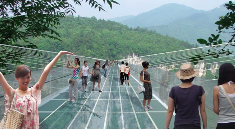 Najwyższy szklany most projektu Haima Dotana - zamknięty