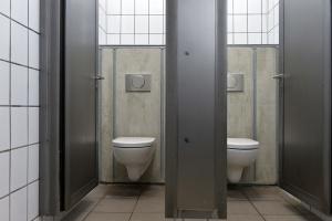 Beton i stal - łazienka do zadań specjalnych w niemieckim skateparku