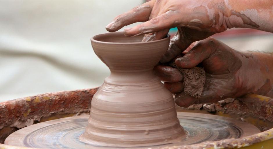 Rzeźbiarz, malarz, projektant i pedagog. To Jerzy Kędziora wskazał nowy kierunek w rzeźbie