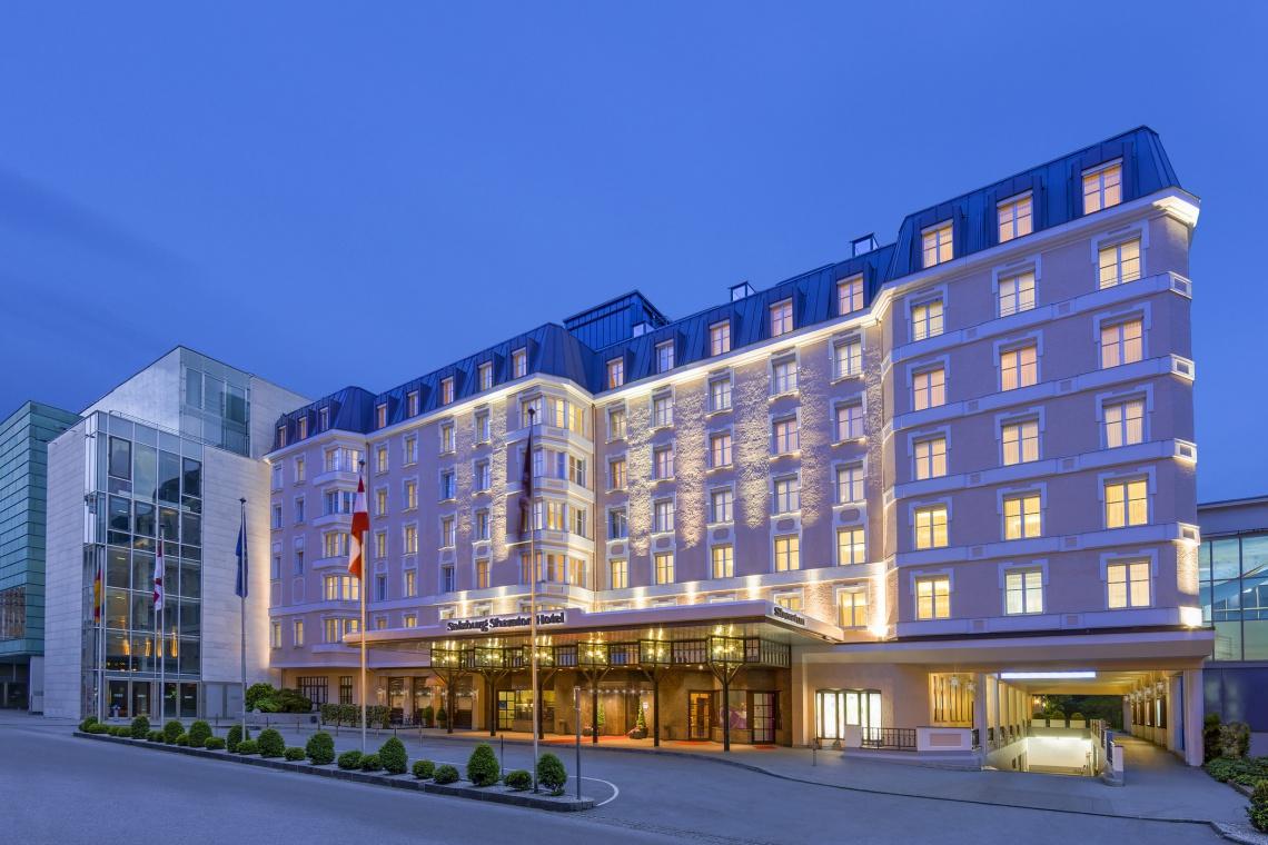 Niezwykła fasada na niezwykłym hotelu
