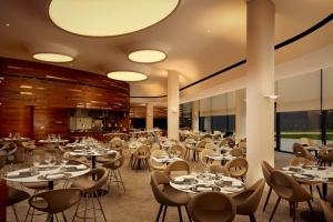 OVO Bar&Restaurant w DoubleTree by Hilton zachwyca designem