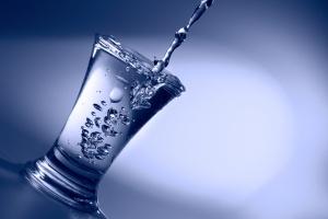 Dziś Światowy Dzień Wody: czy technologia może ochronić nas przed jej doborem?