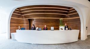 Lobby i recepcja DoubleTree by Hilton. Design z charakterem