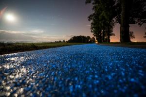 To pierwsza w Polsce świecąca ścieżka rowerowa