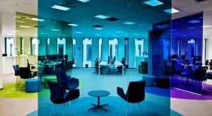 Biuro szkłem malowane