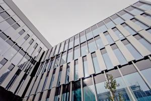 Poznański biurowiec od CDF Architekci wciąż zachwyca architekturą