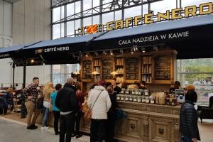 Rzemieślnicy, stolarze i kowale - to oni tworzą meble dla Green Caffè Nero