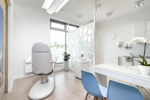 Design w służbie medycyny. Zobacz, jak zaprojektowano gabinet stomatologiczny w Gdańsku