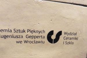 Zobacz, jak powstawał największy ceramiczny mural w Polsce
