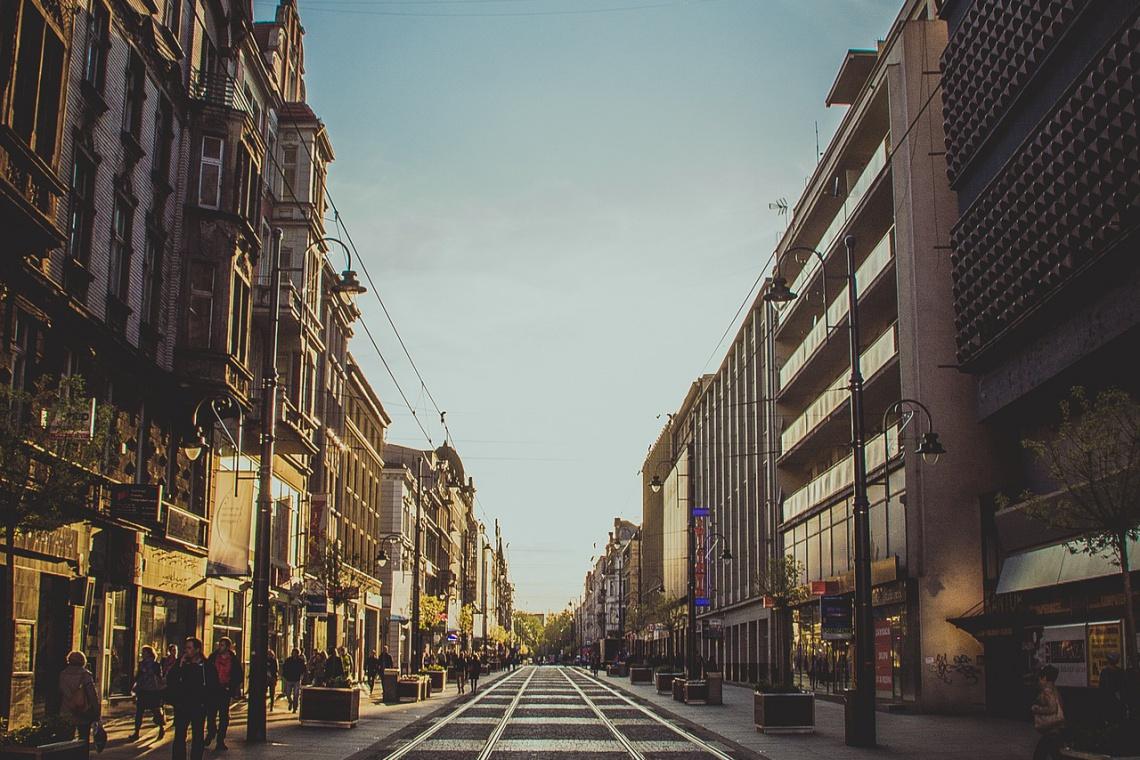 W przyszłości - reprezentacyjna przestrzeń dla pieszych. Czterej chętni do projektu