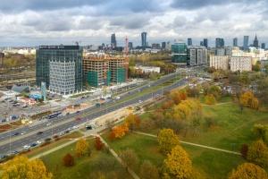 Tak wygląda biurowiec West Station w Warszawie. Zaglądamy do środka