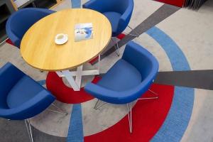 Zabawa kolorami - zobacz showroom dystrybutora wykładzin