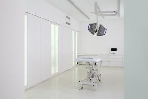 Bezpieczeństwo w bieli - zobacz ultranowoczesną klinikę w serbskim Nowym Sadzie