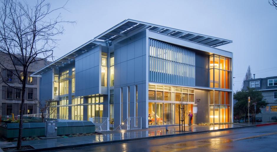 Fasada, która produkuje energię. Ekologiczny biurowiec wzorem dla innych?
