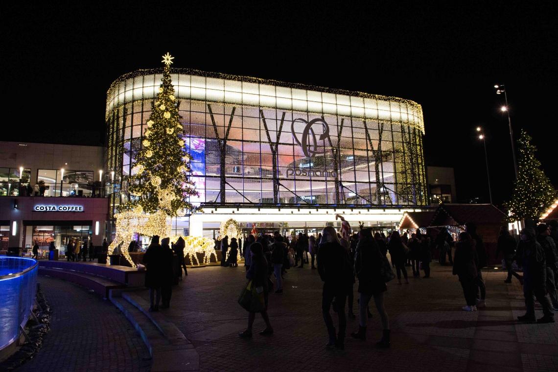 Spektakularne iluminacje świąteczne rozbłysły przed Posnanią