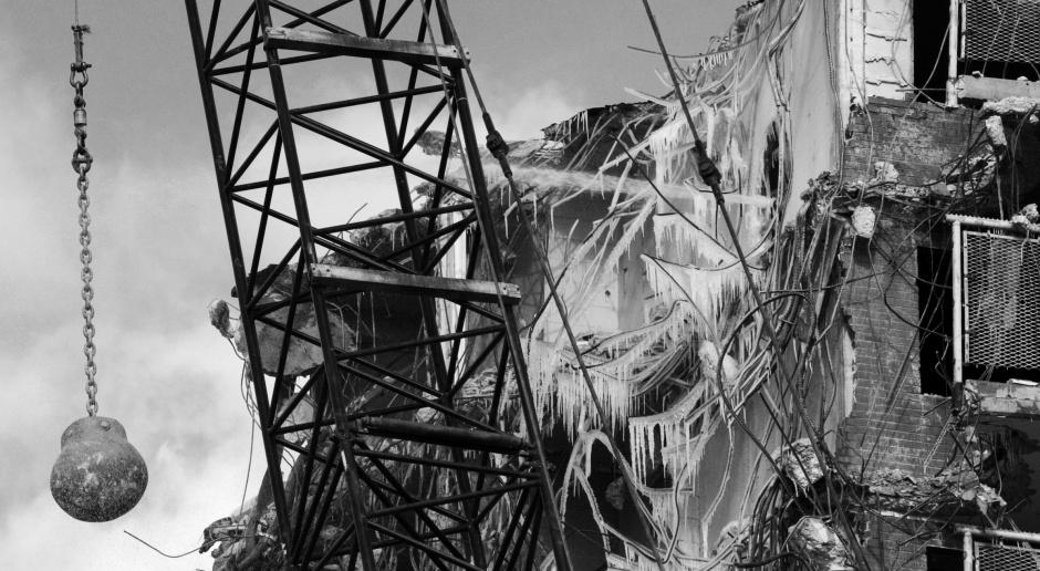 Kiedy architekt roni łzę - zobacz 10 widowiskowych wyburzeń