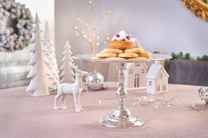 Srebrne trendy w dekoracjach świątecznych