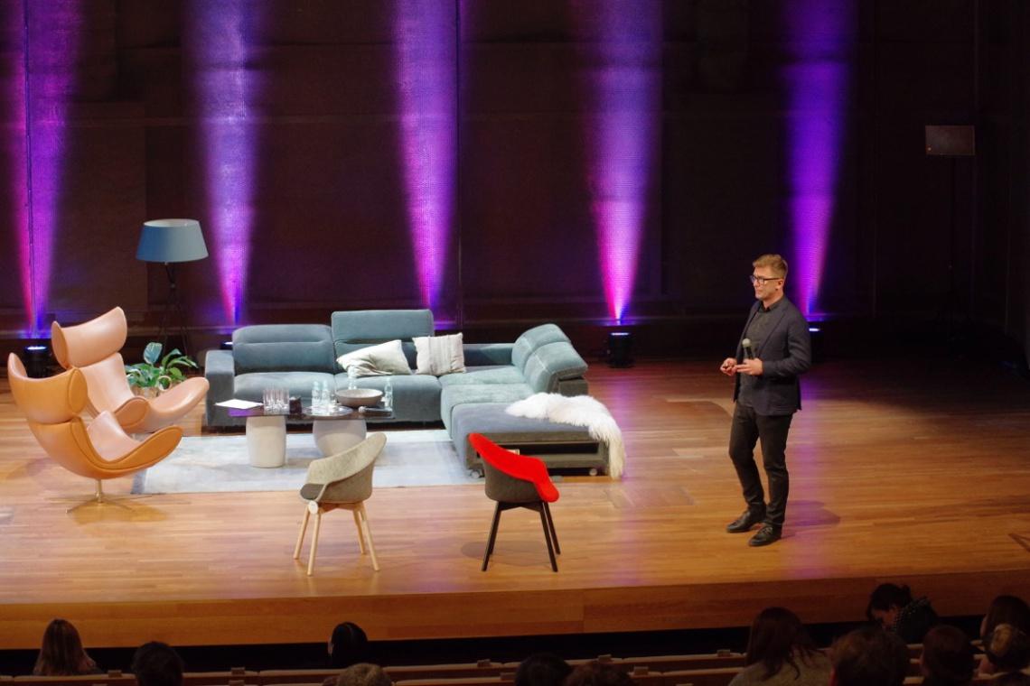 Tomek Rygalik na Forum Dobrego Designu: krzesło Mamu to efekt transferu technologii