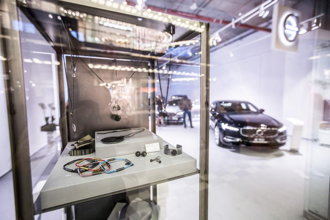 Motoryzacyjny showroom w nietypowym koncepcie