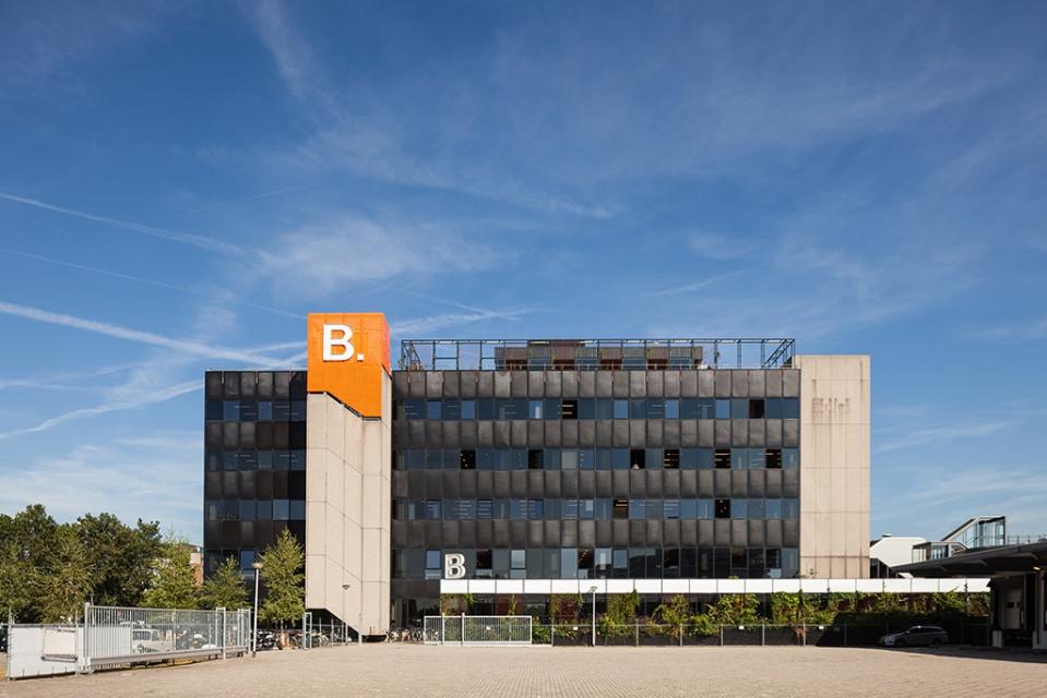 B.Amsterdam to biuro projektowane jak miasto