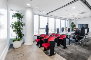 Niezwykła siedziba MediaCom - biuro w mieście, miasto w biurze