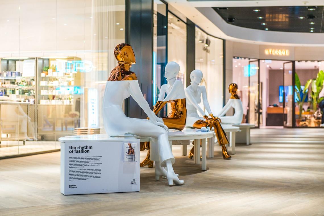 Wyjątkowa instalacja w galerii handlowej. Oto projekt Izabeli Bołoz