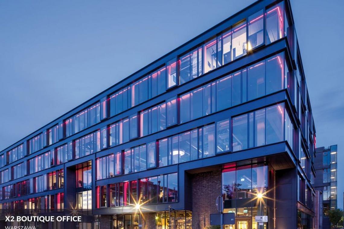 Biurowiec X2 Boutique Office - postindustrialny styl w zielonym sąsiedztwie