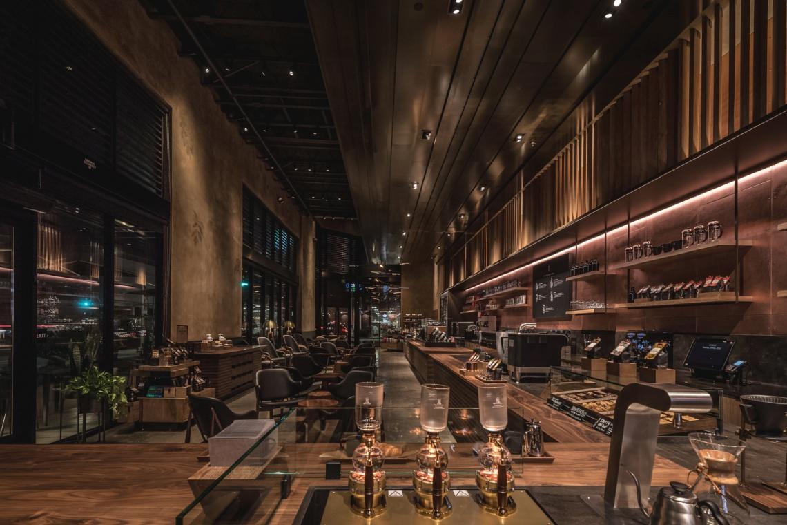 Teatr kawy w Los Angeles - zobacz jak wygląda nowy koncept kawiarni Starbucks