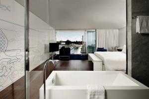 Takie łazienki powinny być w każdym hotelu