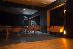 Do muzykowania i szkolenia - zobacz wnętrze zaprojektowane przez Husarska Design Studio